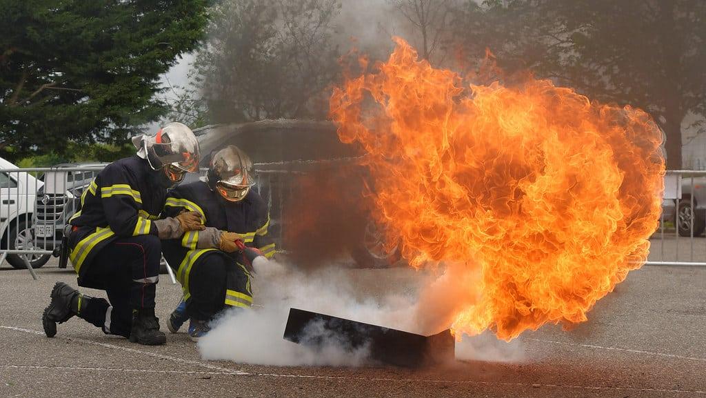 pompiers en démonstration